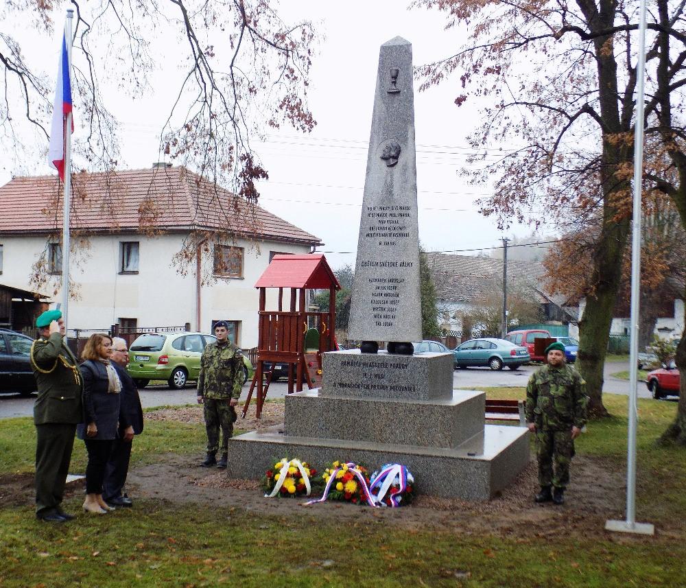 2016: Odhalení opraveného pomníku